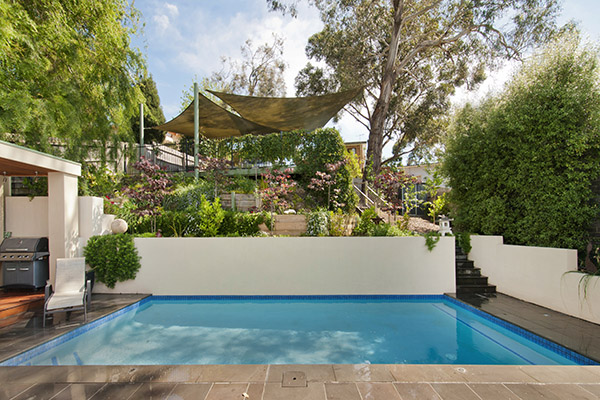 Melbourne expert pool builder